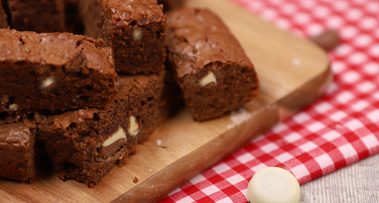 Milkybar<sup>®</sup> Mix Ups Chocolate Brownies
