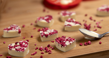Milkybar® & Raspberry Hearts