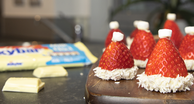 Mini Milkybar<sup>®</sup> & Strawberry Christmas Hats