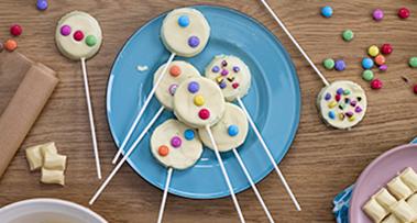 Milkybar<sup>®</sup> & Smarties<sup>®</sup> Apple Slice Sticks